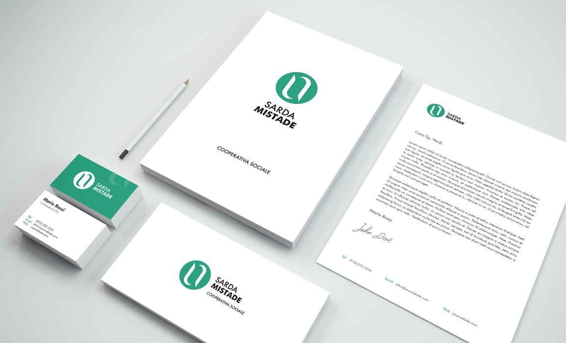 Immagine coordinata. Progettazione della brand identity: cartella, carta intestata, biglietto da visita e busta per lettere.