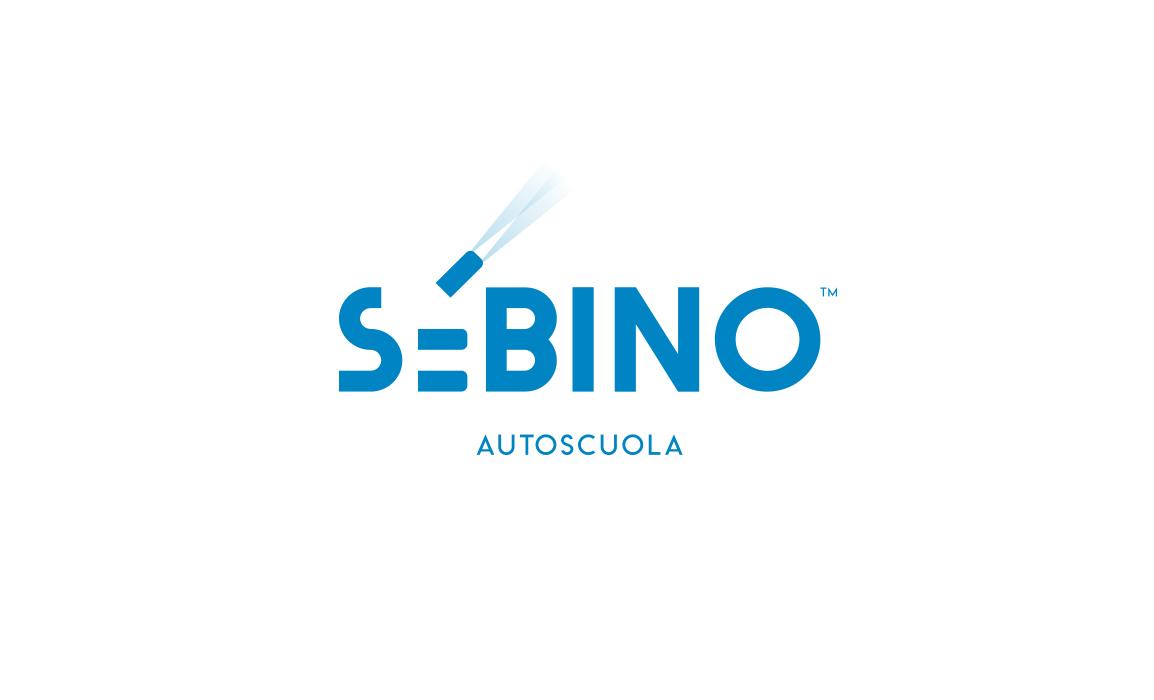 """La """"E"""" del logo rappresenta una serie di auto parcheggiate. L'idea è suggerita dall'aggiunta dei fari dell'automobile."""